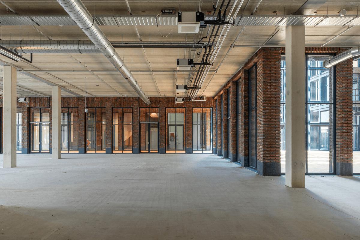 Homines-bouw-awarehouse-kantoorgebouw-parkeerplaats-amsterdam-3